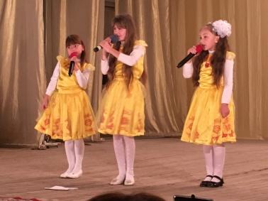 singing-girls