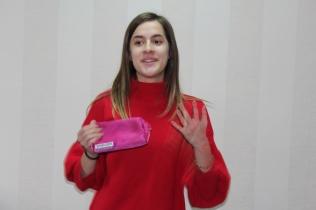 Studen Lina practices impromptu public speaking